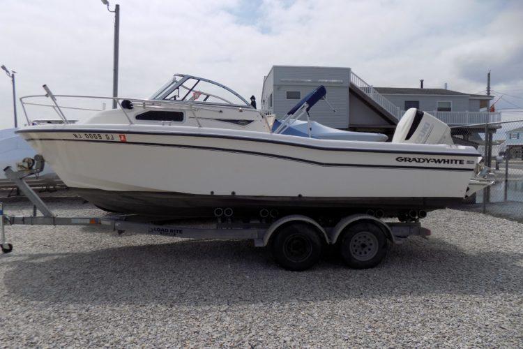 1999 Grady-White 226 Seafarer WA