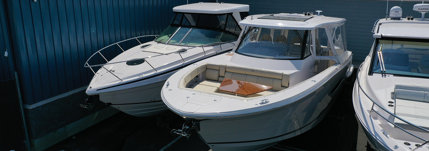 2021 Regal 38 SAV in stock at Sheltered Cove Marina in Tuckerton, NJ