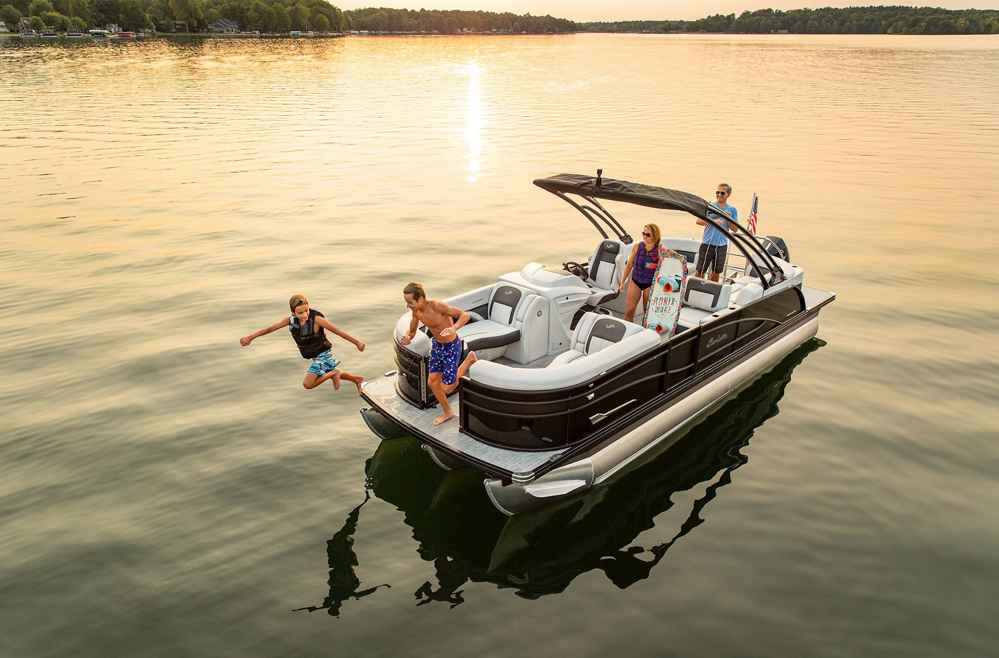 Boating Safety Tips from Sheltered Cove Marina